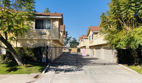2bd 2ba 2 carport Apartment Unit for Rent